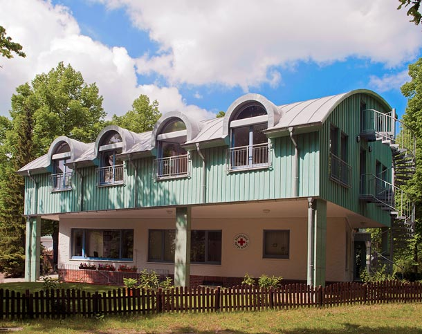 Dacheindeckung mit Dach- und Dichtungsbahn »Evalon« der Trierer alwitra