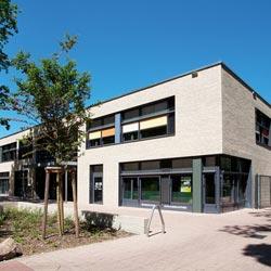 Die Funktionsgläser OKAGEL und OKASOLAR von OKALUX unterstützen das Energiekonzept der Grundschule Niederheide in Hohen Neuendorf