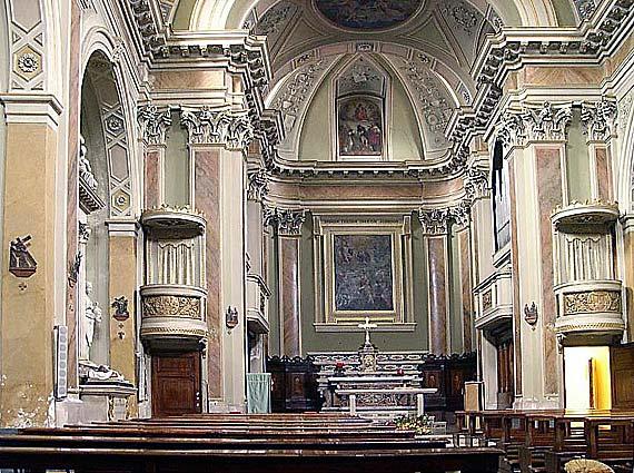 Innenraum der Kirche San Michele Arcangelo