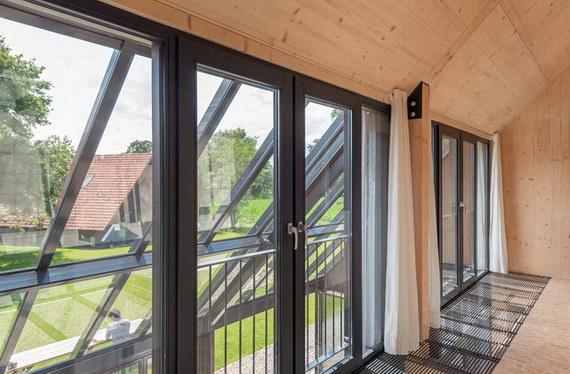 Wintergarten SDL Atrium mit Glas-Faltwand SL 35 von Solarlux