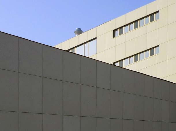 Textilbewehrte Fassadenplatten »betoShell BIG«  mit dem technischen Textil »SITgrid«