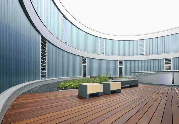 Wärmeschutz - Profilglasfassade mit transluzenter Wärmedämmung