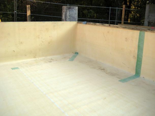 Sämtliche Detailausbildungen wie Boden- und Wandfugen wurden im Nachgang mit dem »Tricoflex«-Abklebesystem geschlossen.