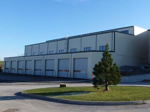 Um der großen Nachfrage Herr zu werden, ließ der Großhändler Kartoffel Stahl jetzt ein neues Produktionsgebäude mit angeschlossenem Bürobau errichten. Die Halle wurde stufenweise bis zu sechs Meter tief in einen Hang gebaut. Quelle: Kartoffel Stahl , IBB Bönnigheim