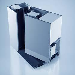 Auf der BAU 2013 stellte der Fenster- und Haustürhersteller Gugelfuss aus Elchingen auch die neue Haustürgeneration »Premium« vor