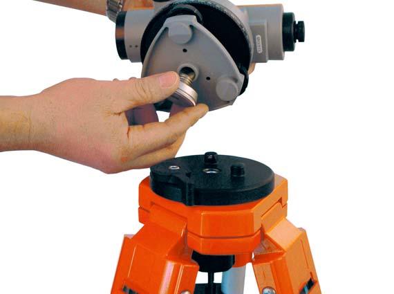 Mit einem 5/8 Zoll-Gewinde wird der Quick-Fix-Adapter am Instrument befestigt. Quelle: Nedo GmbH & Co. KG