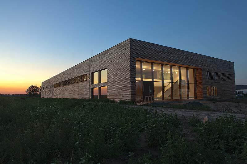 DuPont Tyvek UV Facade – Fassadenbahn zum Schutz von Fassaden mit offenen Fugen