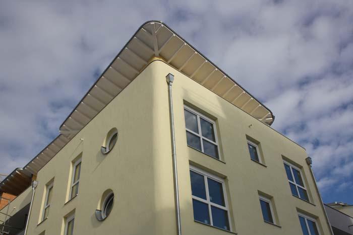 Wohnpark in Landshut: Das ausgefeilte Energiesparkonzept wurde von der Hochschule für angewandte Wissenschaften in München mitentwickelt und beinhaltet Beheizung und Stromversorgung aus erneuerbaren Energien. Foto: UNIPOR, München