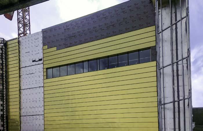 Fassadenbahn DuPont Tyvek Supro schützt Liverpooler Zentralbibliothek