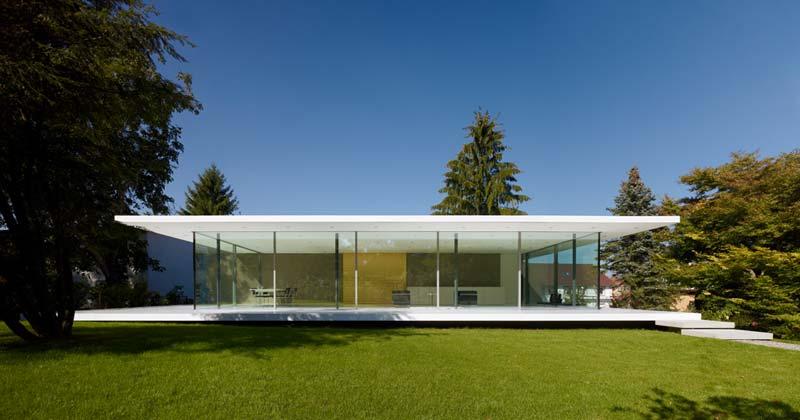 D10 – ein von Werner Sobek entworfenes Plusenergiehaus nahe Ulm, Bild: Zooey Braun