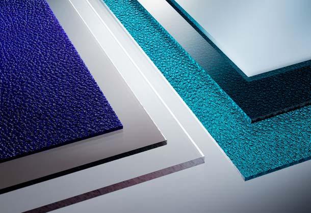Materialvielfalt: Polycarbonat-Platten sind in unterschiedlichen Varianten erhältlich – von farblos, über strukturiert, besonders abriebfest bis hin zu elektrisch ableitfähig. Foto: Brett Martin