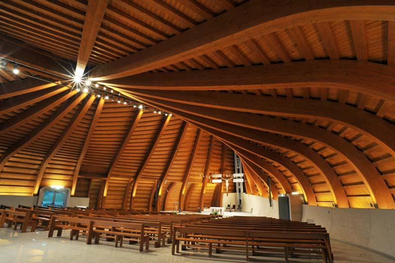 Kirche zum Hl. Franz von Assisi, Imola (I), Foto: Rubner Holzbau