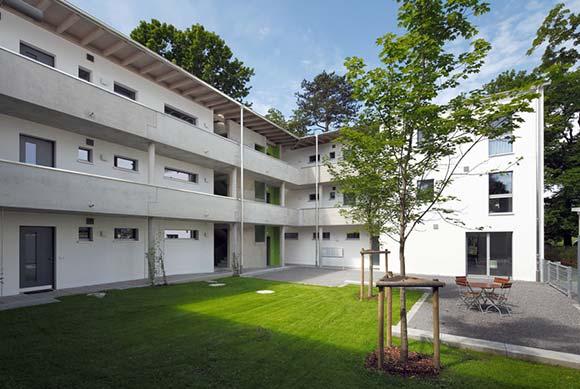 Attraktive Architektur und Passivhaus-Standard schließen sich nicht aus – Wohnhaus in Bruckmühl. Foto: Wolfgang Oberle / Sto