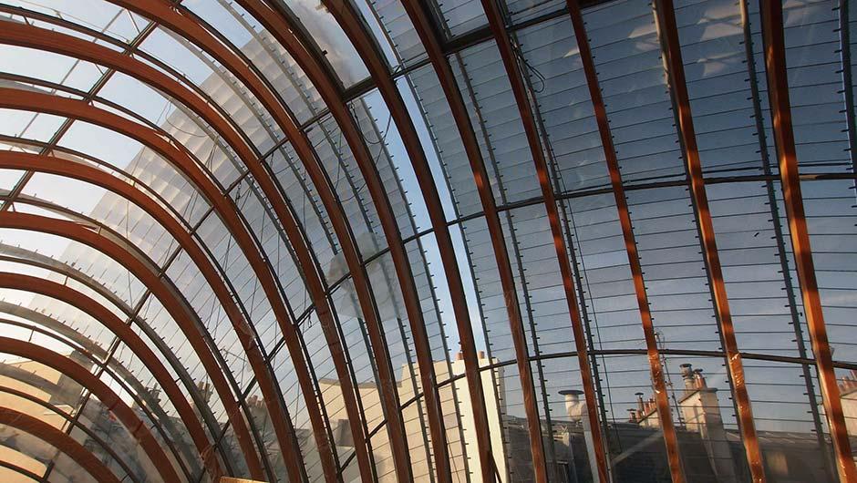 Gewölbter Kuppelbau in Paris - Renzo Piano Building Workshop