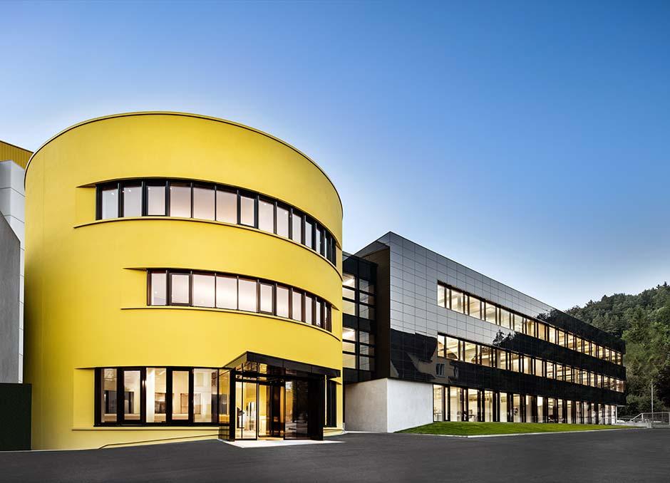 Das neue Empfangs- und Bürogebäude in der Sto-Firmenzentrale in Stühlingen wurde im Nullenergiestandard errichtet