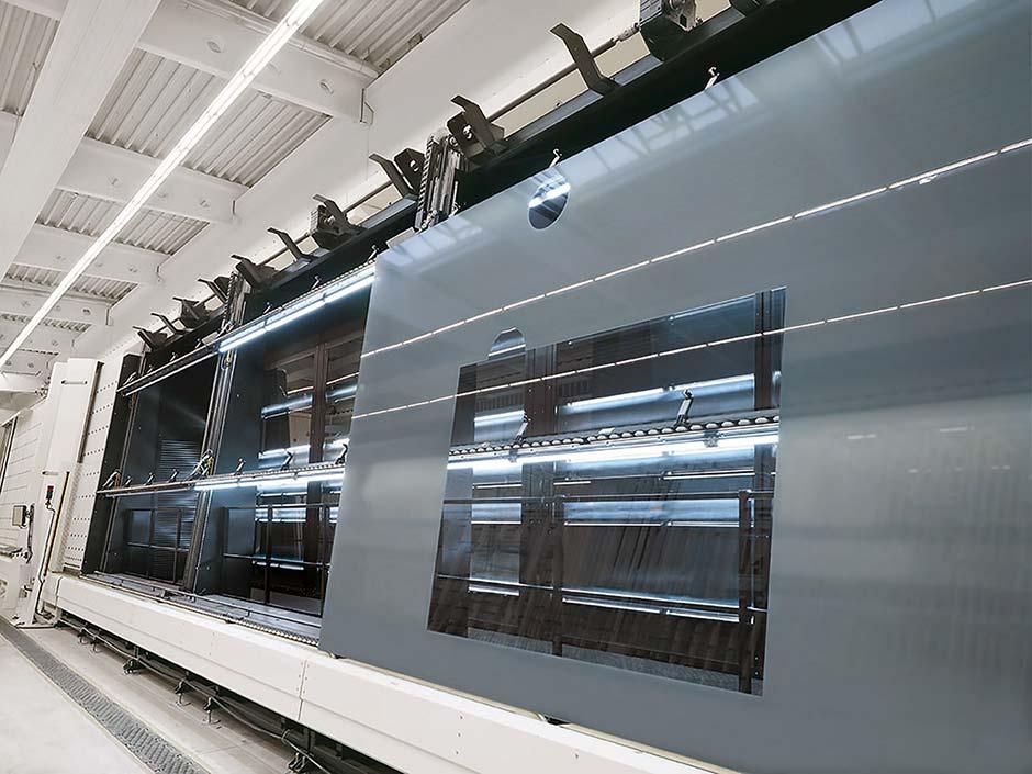 """Dämmwert minimal, Format maximal: Die neue Produktlinie """"sedak isomax"""" ist als Zweifach- oder Dreifach-Aufbau bis zu einer Größe von 3,2 x 16 Meter und bis zu einem U-Wert von 0,23 W/m²K verfügbar. Foto: sedak GmbH & Co. KG"""