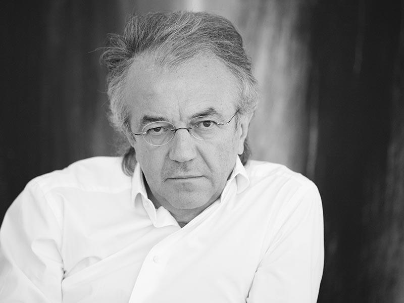 """Prof. Dr. Dr. E.h. Dr. h.c. Werner Sobek. Der renommierte Architekt und Ingenieur Werner Sobek ist in der Ausgabe 2018 des """"Jahrbuchs der Ingenieurbaukunst"""" mit drei Beiträgen vertreten. Foto: Tillmann Franzen, Düsseldorf"""