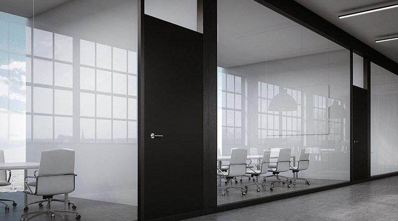 Mithilfe des HPD2 ist ein freier Meetingraum schnell zu finden. Zudem wird die tatsächliche Raumnutzung und -auslastung angezeigt. Bildnachweis: STEINEL PROFESSIONAL