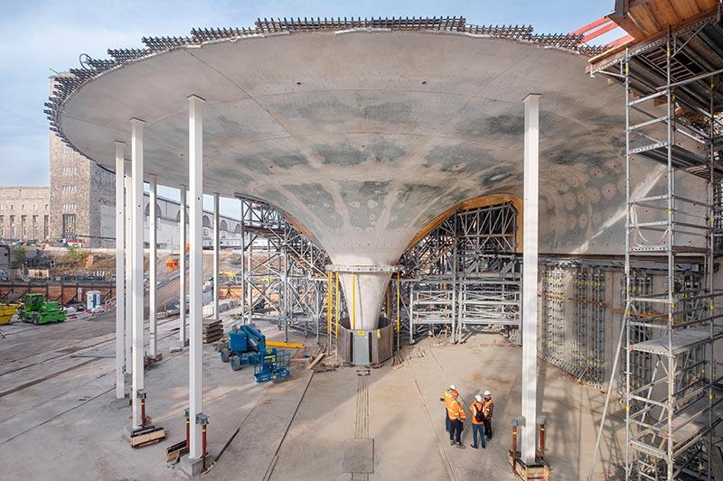 Ausgeschalte Kelchstütze mit Sichtbetonoberfläche. Bahnprojekt Stuttgart- Ulm, Foto: Achim Birnbaum