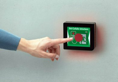 Das neue ePED Display-Türterminal vereint die gesamte Fluchttürsteuerung hinter einem einzigen kleinen Bildschirm, bedienbar über eine komfortable Touch-Funktion. Foto: ASSA ABLOY Sicherheitstechnik GmbH