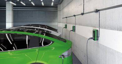 Einfach zu installieren, flexibel erweiterbar und nicht störend: Mit dem podis-Energiebussystem von Wieland lassen sich E-Auto-Ladestationen in optimaler Weise mit Energie versorgen.