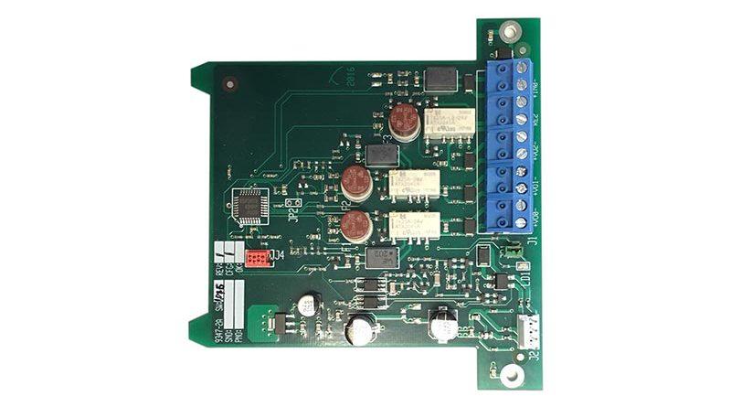 Die 2-fach-Ausgangsnetzkarte 4464 bietet zwei spannungsgeführte überwachte Ausgänge, mit denen sich beispielsweise konventionelle Signalgeber an das System anbinden lassen. In der Kombination mit dem Zusatznetzeil ermöglicht sie eine brandabschnittsweise unterbrechungsfreie Alarmierung mit konventionellen Signalgebern. Quelle: Telenot Alarmsysteme