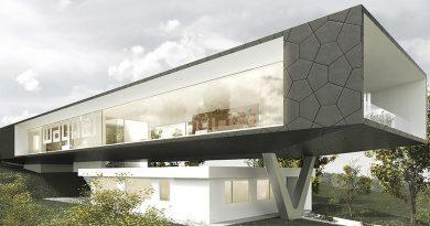 Design und Architektur vereint: Die insgesamt 233,6 Quadratmeter Glasfläche an den Längsseiten des Kubus öffnen das Bauwerk optisch und setzen die Ausstellungsstücke in Szene. Bild: Titus Bernhard Architekten