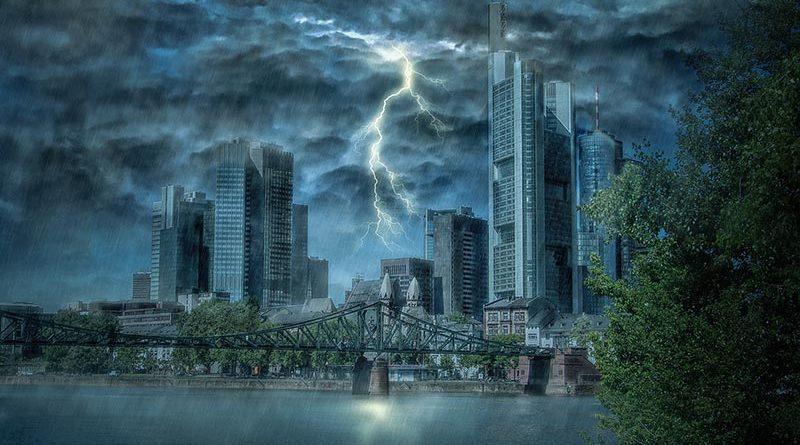 Sturmgewitter und Orkane nehmen dramatisch zu und erhöhen die Anforderungen an die Gebäudehülle. Quelle: Pixabay