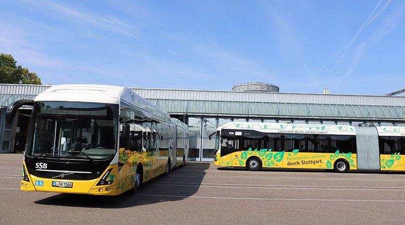 Die Stuttgarter Straßenbahnen AG (SSB) setzt als erster ÖPNV-Kunde in Deutschland ab sofort zwei neue vollelektrische Gelenkbusse Volvo 7900 EA auf der Schnellbuslinie X1 ein.