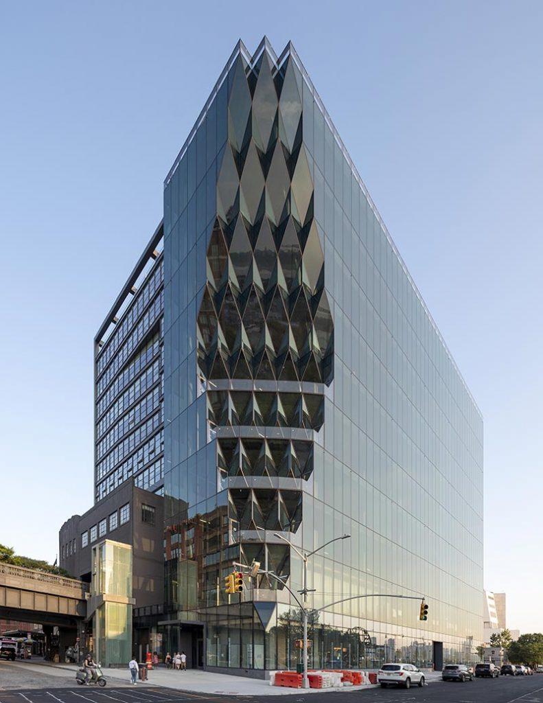 Solar Carve, NYC. Architektur im Einklang mit dem Lauf der Sonne. Foto: Timothy Schenck / Focchi