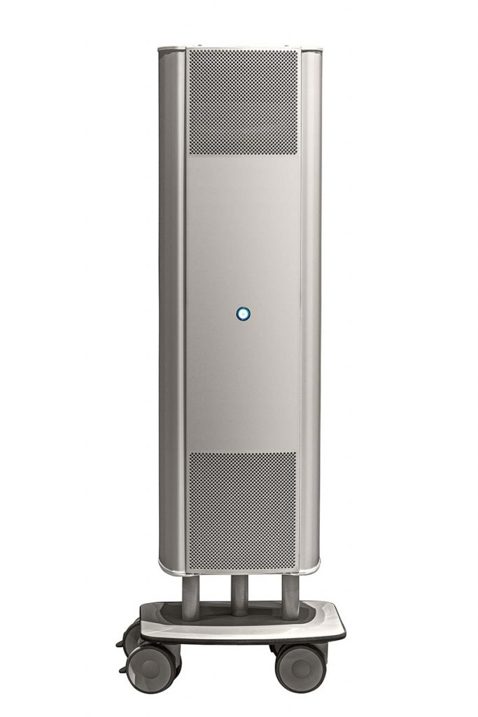 Das UV-C-Gerät AirCom sorgt sicher und unauffällig in Räumen mit Personenverkehr bis zu 40 m² Größe für gute Luft. Das Gerät ist als mobiles oder fest montierbares Einzelelement erhältlich. Der Betrieb erfolgt an einer 230 V-Steckdose.