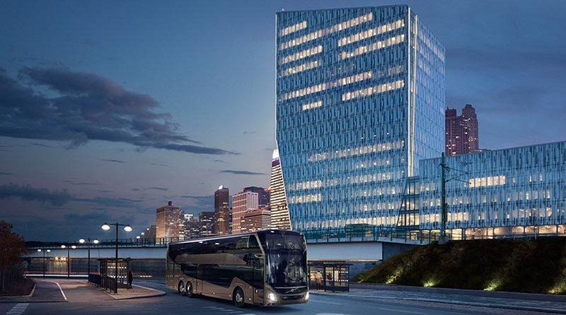 Der Doppeldecker-Reisebus Volvo 9700 DD ist mit einer Höhe von vier Metern für den Betrieb in allen europäischen Ländern zugeschnitten. Mit einer maximalen Länge von 14,8 Metern bietet er viel Komfort und Platz für bis zu 96 Fahrgäste.
