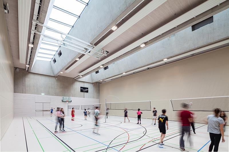OKASOLAR 3D sorgt für eine optimale Lichtverteilung im gesamten Gebäude. Bildquelle: Camille Dengler