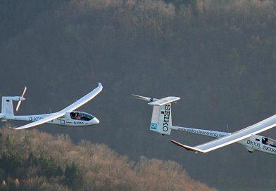 """Elektroflugzeuge """"icaré 2"""" und """"e-Genius"""" der Universität Stuttgart feiern Jubiläum"""