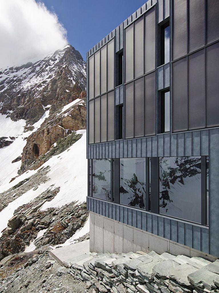 Die Wandanschlüsse im Übergang von warmen zu kalten Gebäudeteilen wurden mit Schöck Sconnex ausgeführt. Foto: Photographie Michel Bonvi